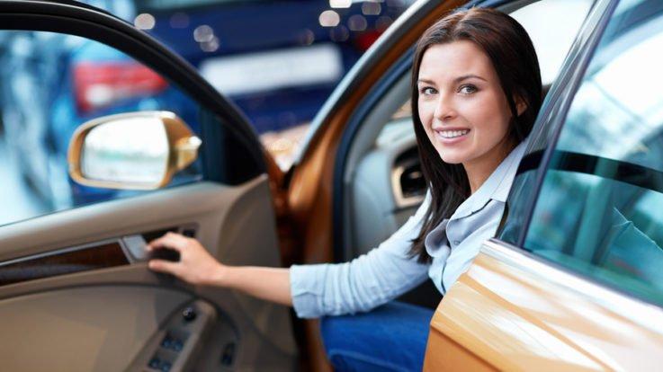 Какую машину приобрести начинающему водителю?