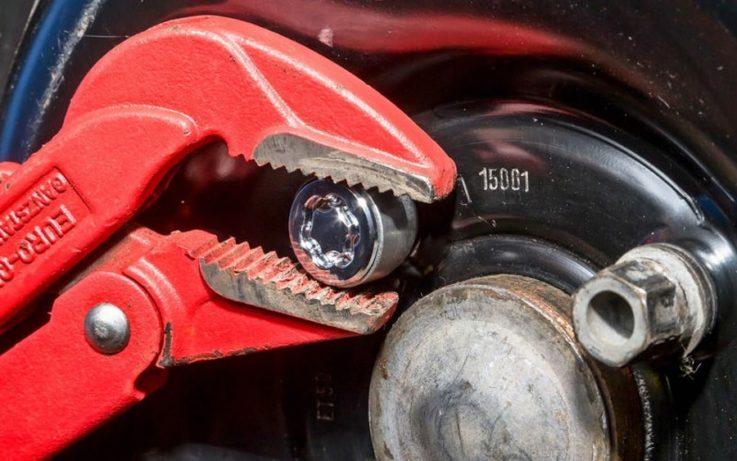 Использование газового ключа