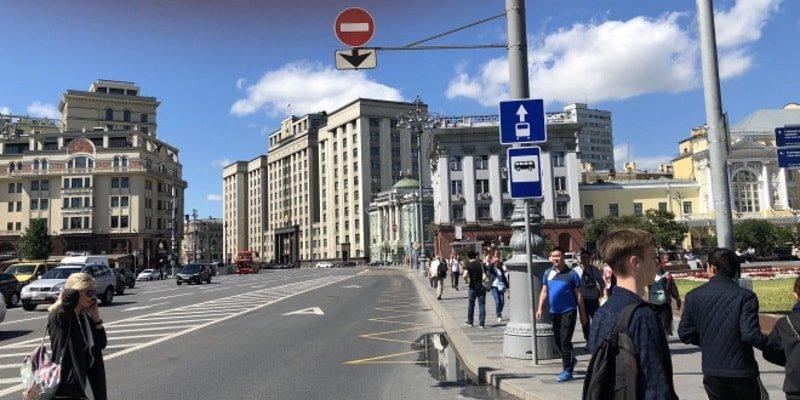 Когда можно ездить по автобусной полосе? Правила и штрафы на 2019 год