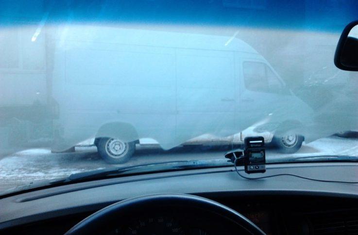 Почему потеют стёкла в машине?