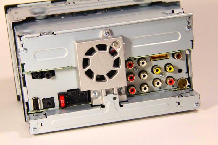 Разъемы Pioneer AVH-Z5100BT