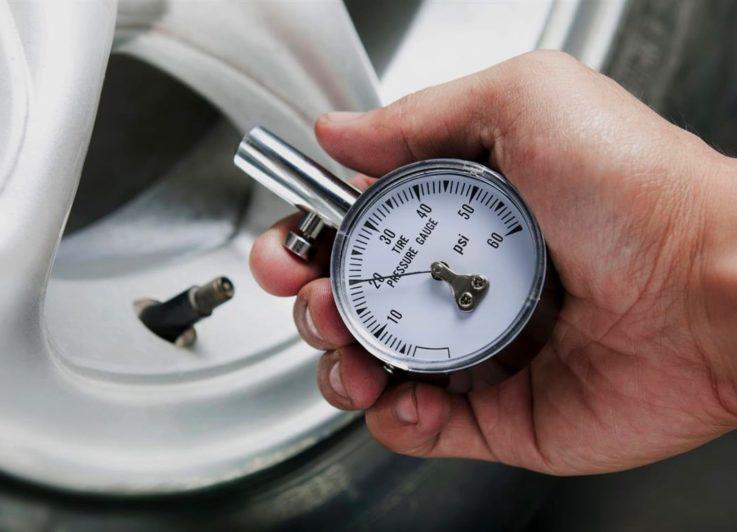 Как правильно измерять давление в шинах?