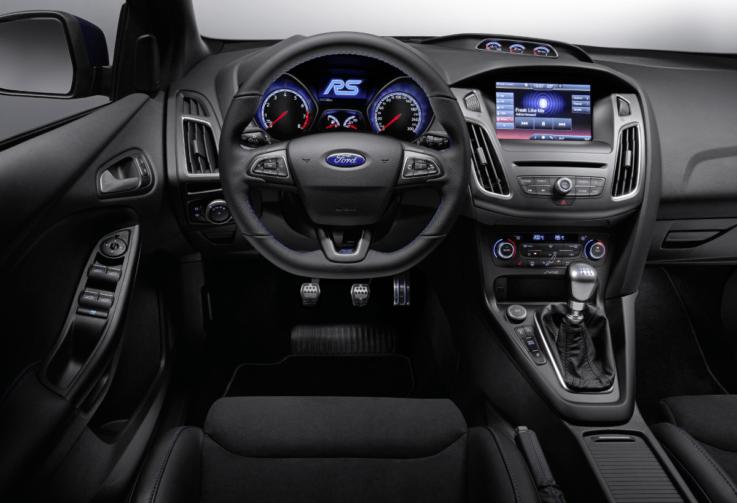 Оснащение салона Ford Focus
